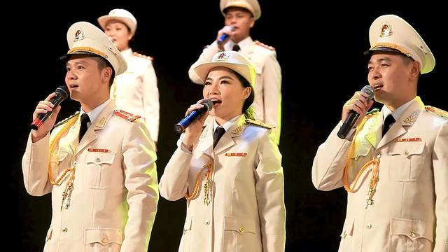 """Đặc sắc chương trình nghệ thuật online """"Cháy lên"""" số thứ 5 với sự tham dự của Hồ Hoài Anh và Lưu Hương Giang  - Ảnh 2."""