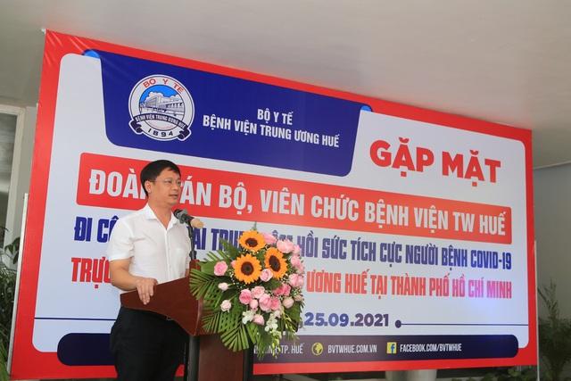Bệnh viện Trung ương Huế điều động thêm 115 y, bác sĩ vào TPHCM chống dịch - Ảnh 1.