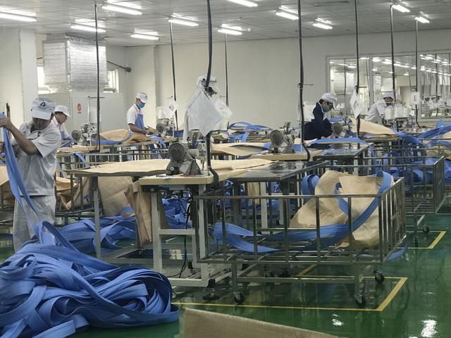 Hỗ trợ người lao động, người sử dụng lao động bị ảnh hưởng bởi đại dịch COVID-19 từ Quỹ Bảo hiểm thất nghiệp - Ảnh 1.