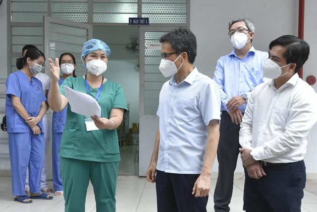 Phó Thủ tướng: Tăng tần suất xét nghiệm, chú ý đến nguy cơ lây nhiễm qua nguồn nước - Ảnh 1.
