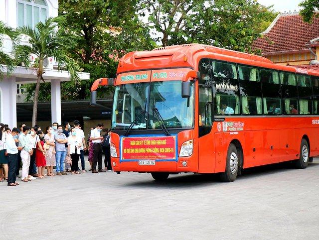 Thừa Thiên Huế điều động thêm nhân lực vào hỗ trợ Bình Dương chống dịch - Ảnh 2.