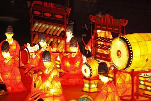 Những chiếc đèn lồng rực rỡ tái hiện hình ảnh Hàn Quốc xưa