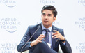 """Bị ong đốt liên tiếp, Bộ trưởng """"soái ca"""" Malaysia vượt 11km cổ vũ đội nhà thẳng tiến bán kết AFF Cup 2018"""