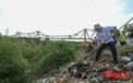 Hà Nội: Hàng trăm tình nguyện viên chung tay làm sạch sông Hồng, cầu Long Biên