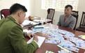 Thủ thuật hô biến giấy lộn thành gần 1.000 vé giả trận Việt Nam - Thái Lan