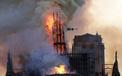 Thế giới thổn thức nhìn Nhà thờ Đức Bà cháy trong vô vọng