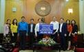 Bộ VHTTDL trao tiền ủng hộ đồng bào miền Trung