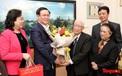 Bí thư Thành ủy Hà Nội Vương Đình Huệ thăm hỏi các giáo sư nhân Ngày thầy thuốc Việt Nam