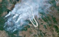 Ảnh chụp từ vệ tinh: Chernobyl chìm trong biển khói trắng vì thảm họa cháy lớn, lửa đang lan dần đến nhà máy điện hạt nhân bỏ hoang