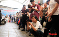 Hà Nội: Hàng trăm người xếp hàng từ sáng sớm làm thủ tục hưởng trợ cấp thất nghiệp sau Covid -19