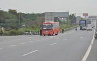 """Các xe khách cao tốc Hà Nội – Bắc Giang, phớt lờ thông báo về việc """"phạt thẻ đỏ""""  đối với hành vi đón, trả khách"""