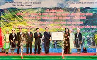 Thứ trưởng Đặng Thị Bích Liên trao Bằng xếp hạng di tích quốc gia danh lam thắng cảnh Khu bảo tồn thiên nhiên Na Hang - Lâm Bình