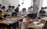 Chiến tranh thương mại: Gánh nặng kinh tế cha mẹ Trung Quốc lo trả phí học con cái