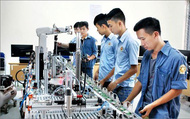 Tiếng Anh là môn học bắt buộc trong chương trình đào tạo trung cấp, cao đẳng nghề