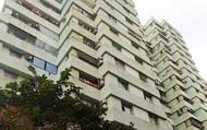 Hà Nội: Bé gái khoảng 5 tuổi rơi từ tầng 7 chung cư N03 Dịch Vọng