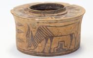 Bất ngờ cốc đựng bàn chải hóa cổ vật 4.000 tuổi, nhưng choáng hơn là mức lợi nhuận nó thu về