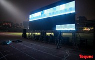"""Trắng đêm cùng hội CĐV bóng đá chuẩn bị cho """"chảo lửa"""" Hàng Đẫy trước thềm chung kết lượt đi AFF Cup 2018 Việt Nam - Malaysia"""
