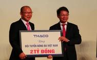 HLV Park Hang-seo nói gì khi nhận 100.000 USD từ Thaco?