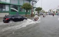 Mưa lớn, nước chảy như thác ở khu vực Chùa Linh Ứng Sơn Trà