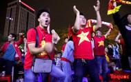 Cảm xúc phấn khích của CĐV Hà Nội trước chiến thắng thuyết phục 3-1 của ĐT Việt Nam