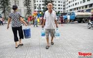 """Bán nước sạch """"đút túi"""" hàng trăm triệu đồng mỗi ngày"""