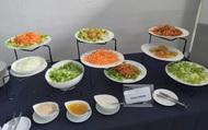 """Sau sự cố thiếu thức ăn, khẩu phần của ĐT nữ Việt Nam đã được cải thiện, """"nhìn phát thèm"""""""