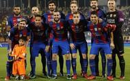 Chỉ một bức ảnh đứng cạnh siêu sao Messi khiến một cậu bé vào tầm ngắm của khủng bố