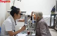 Hơn 1000 người dân được khám mắt và cấp thuốc miễn phí