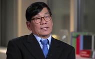 """Bác sỹ gốc Việt bị kéo lê khỏi máy bay bất ngờ bày tỏ """"cảm kích"""" vụ việc"""