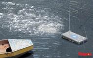Sông Tô Lịch đã bớt nặng mùi sau ba ngày dùng công nghệ nano của Nhật Bản