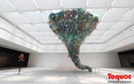 """""""Hành tinh nhựa"""" truyền đi thông điệp sử dụng đồ nhựa có ý thức"""