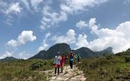 Trên 100 vận động viên tham gia Giải leo núi chinh phục đỉnh Lảo Thẩn năm 2019
