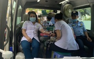 Hàng trăm người hiến máu nhân đạo bổ sung cho bệnh viện trong mùa dịch corona