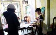 Sợ học sinh bỏ bê việc học, một trường THCS cử hẳn giáo viên đến tận nhà các em để kiểm tra đột xuất