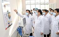 Bí thư Thành ủy Hà Nội Vương Đình Huệ kiểm tra công tác phòng dịch Covid-19 tại bệnh viện Đức Giang