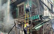 TP.HCM: Tiểu thương hoảng hốt tháo chạy khi chợ Hạnh Thông Tây bốc cháy giữa ban ngày, nhiều người mắc kẹt