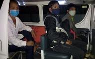 Bàn giao, tiến hành cách ly 3 công dân vượt biên trái phép từ Lào về Việt Nam