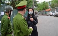 Trung tá công an chia sẻ khó khăn về xử lý người dân ra đường trong thời gian cách ly xã hội