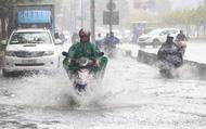 """TP.HCM: """"Rốn ngập"""" Nguyễn Hữu Cảnh lênh láng như sông sau trận mưa trắng trời"""