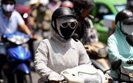 Hà Nội nắng nóng gay gắt gần 40 độ C: Người dân uể oải khi ra đường
