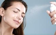 """Những dấu hiệu cho thấy làn da bạn đang """"kêu cứu"""" trong ngày hè và cách khắc phục"""