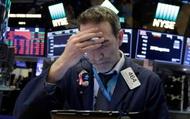 Đón nhận một loạt thông tin tiêu cực, Phố Wall 'trồi sụt', cổ phiếu Apple vẫn chạm mức cao nhất mọi thời đại
