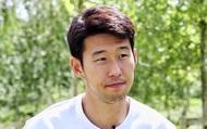 Son Heung-min trình làng diện mạo xuề xòa đến lạ, nghi chịu ảnh hưởng bởi ông bạn thân tại CLB