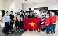 Đưa gần 350 công dân Việt từ sân bay Houston (Mỹ) về nước