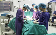 Thanh niên bị hoại tử dương vật sau khi cắt bao quy đầu ở phòng khám tư