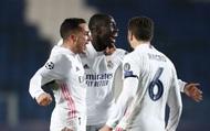 Hưởng lợi từ quyết định nặng tay của trọng tài, Real Madrid vẫn phải khổ sở mới đánh bại 10 người Atalanta