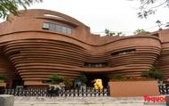 Cận cảnh tòa nhà 150 tỷ đồng có thiết kế độc đáo chưa từng có ở thủ phủ gốm Bát Tràng