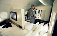 """3 chiếc giường đắt đỏ cung cấp không gian """"ông hoàng"""" trên bầu trời với giá tới hàng tỷ đồng/chuyến đi"""