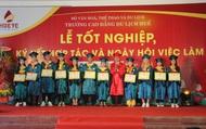 Trao bằng tốt nghiệp và tổ chức Ngày hội việc làm cho sinh viên ngành du lịch tại Thừa Thiên Huế