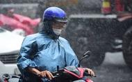 Trời mưa nắng thất thường và đây là 10 điều đừng bao giờ bỏ qua nếu không may mắc mưa giữa đường